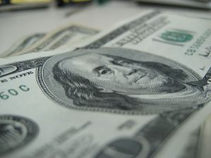 100-dollars%2011-264995-m.jpg